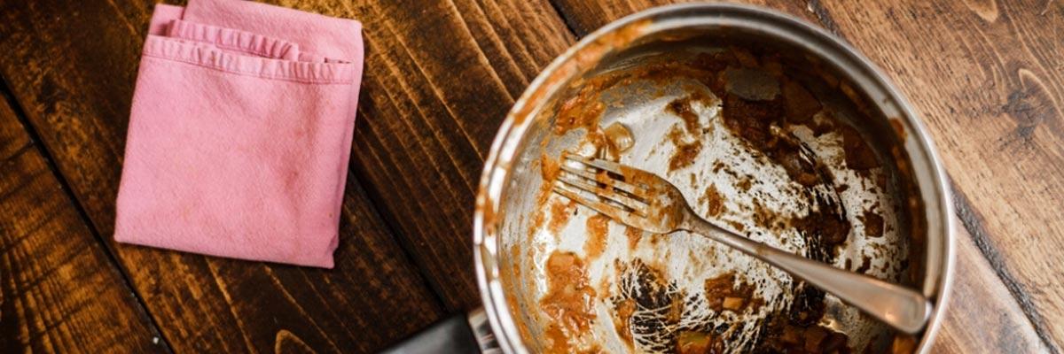 Waarom eten aanbrandt en hoe dat te voorkomen?