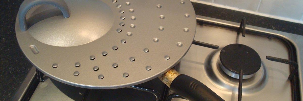 Spatdeksel kopen: de keuken schoon houden