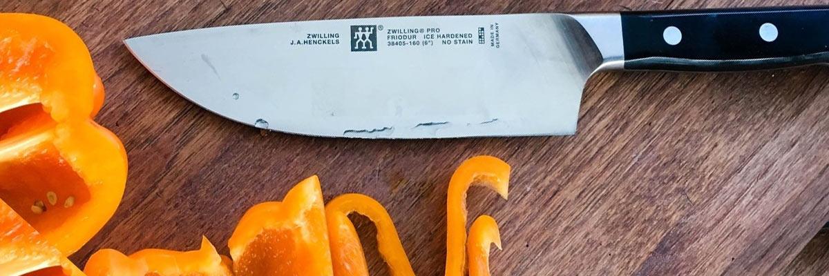 Hoe keukenmessen langer scherp houden?